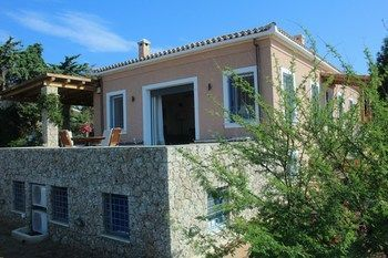 Photo for RVG Villa Maria - Near Port of Spetses