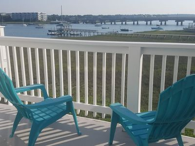 Photo for Charming 3 Bdrm at Water's Edge with Fantastic River Views!