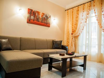 Photo for Bright apt in Thisseio • 4mins from the train st.