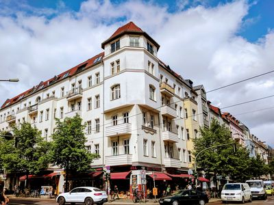 Photo for Huge (110sqm), central, child-friendly and new in Ausgehkiez Friedrichshain.