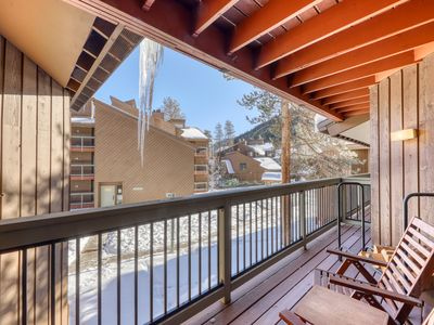 Photo for Cozy condo w/ private balcony, shared pool, & hot tub - close to golf & slopes