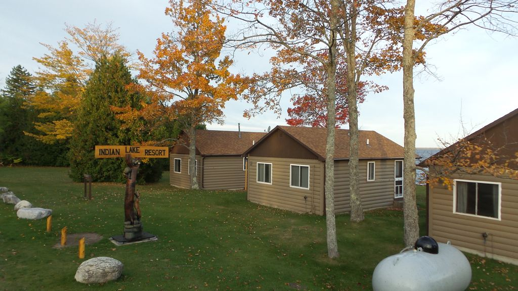 3 Relax And Enjoy Our Cabins On The Lake Manistique