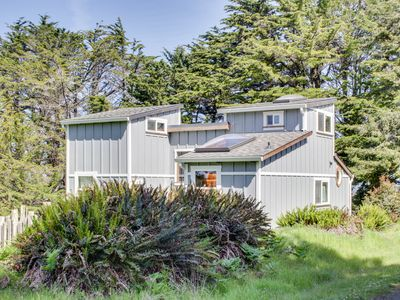 Photo for Unwind at this secluded & rustic ocean cottage, close to beach w/ocean views!