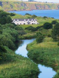 Photo for Lunan Bay Country House with beach-side location ideal for groups and families