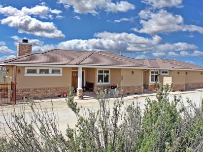 Photo for Beautiful custom home on top of a hill, 360 views, heart of wine country
