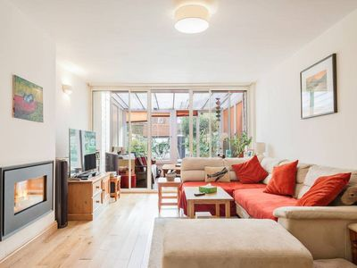 Photo for Homey 3Bed House w/Garden 5mins fr Tube