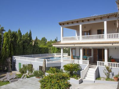 Photo for Countryside villa for 8 with pool, airconditioning and wifi