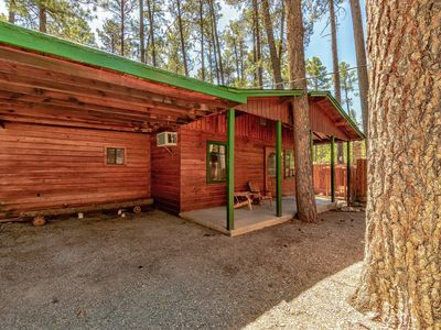 "Photo for ""Horseshoe"" Cabin- Upper Canyon Charmer w/ Private Outdoor Hot Tub"