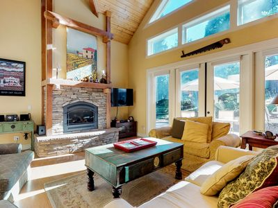 Photo for NEW LISTING! Mountain Cabin w/gas fireplace, shared pool, access to rec center