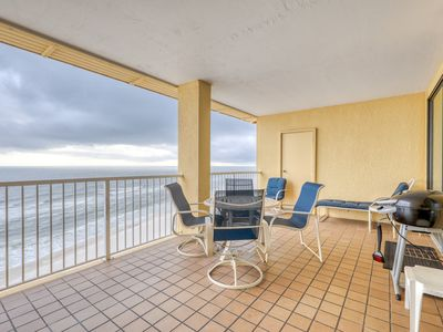 Photo for Top floor, Gulf front condo w/ shared pools - groups & snowbirds welcome!