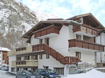 Photo for Apartment Haus Quelle  in Saas Grund, Central Valais / Wallis - 6 persons, 2 bedrooms