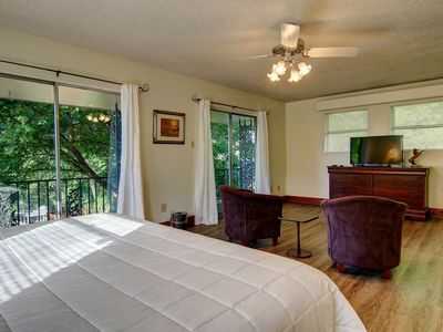 Master Bedroom Upstairs With A Seating Area Cable Tv Beautiful View And