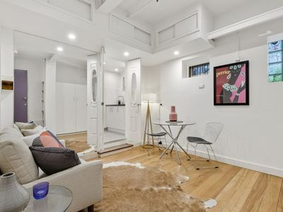 Photo for Funky Laneway Studio in the Heart of Melbourne! Cozy apartment in an great Location!