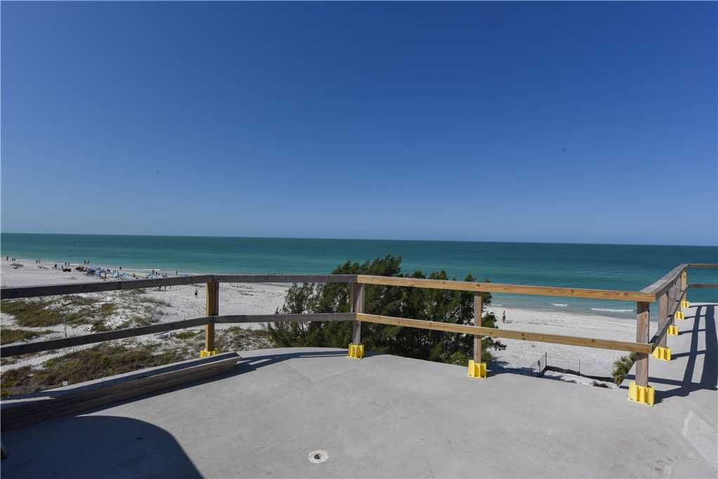 Anna maria grand beach house 9 br 9 ba in bradenton beach sleeps 28