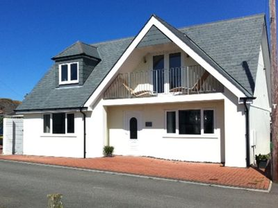 Photo for Wonderful beach house just 250 metres from Fistral Beach. (SUMMER DISCOUNTS)