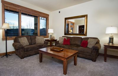 Luxurious plush furniture. Queen sofa bed. Great views of mountain sunsets!