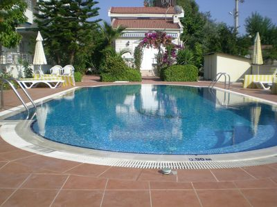 Communal pool with jacuzzi