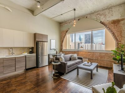Photo for Relaxing 1 Bed, 1 Bath Dallas Downtown Apartment