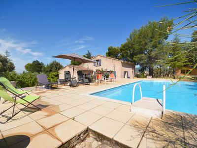 Photo for Provencal house surrounded by vineyards with superb pool