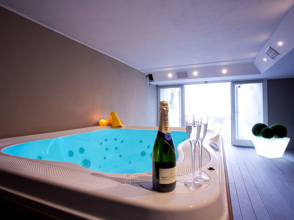 Stylish apartment sleeping up to 4 guests with indoor pool, sauna ...