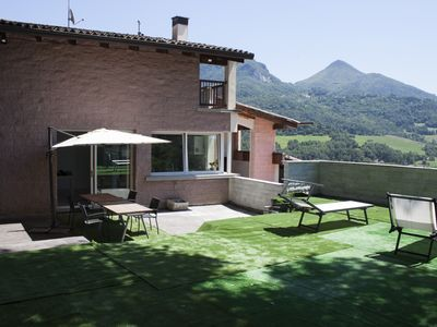 Photo for Bright and welcoming, Casa Bella Il Castello consists of 5 rooms and 3 bathrooms plus a huge terrace