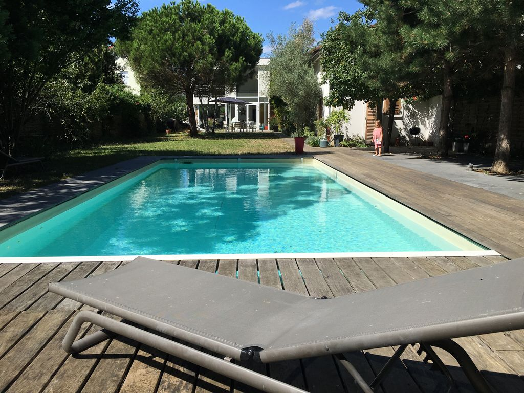 Great house with pool close to paris rueil malmaison ile for Pool durchmesser 4 50