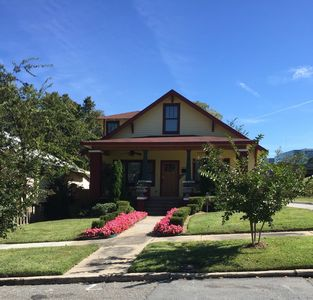 Photo for 4BR, 3BTH  Beautiful House Cottage Style in Down Town Little Rock