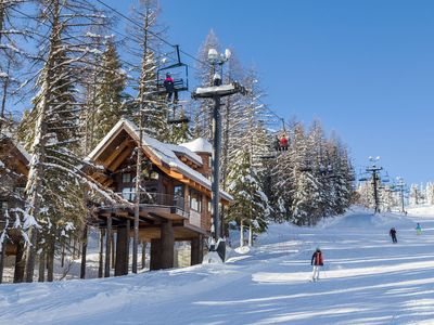 Photo for SLOPESIDE with PRIVATE Treetop Hot Tub-2 Bdm/2 Bath Luxury Ski-in/Ski-out
