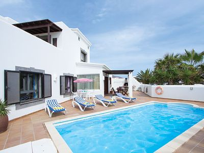 Photo for Modern villa with great entertainment - flatscreen TV & PlayStation 2, a short drive to resort centre