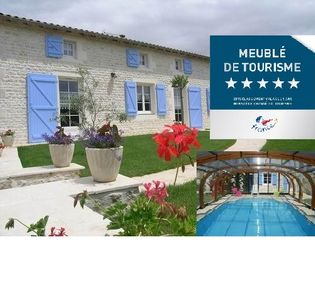 "Photo for Holiday cottage(Shelter) with swimming pool near the Swamp from Poitou classified "" Big site of France ""."