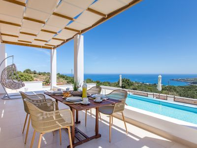 Photo for Villa Laventer! Magnificent Sea Views, 2 km from Beach and Walking to Amenities!