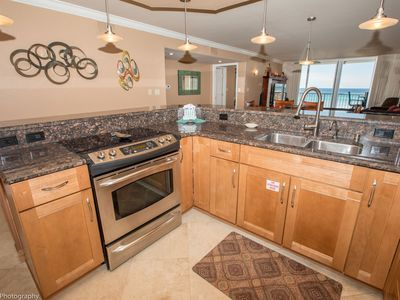 Photo for Shoreline Towers 1052 - Beautiful 2 BR with Gulf views