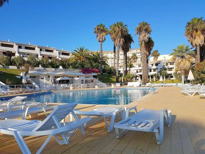 Photo for 2 bedroom apt - pool and tennis - Albufeira
