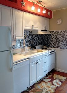 Fully equipped, chef-friendly kitchen.