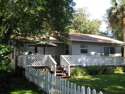 Photo for High Hedges Cottage  - Close to downtown Mt Dora in quiet neighborhood
