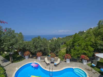 Photo for 5 bedroom Villa, sleeps 10 in Marina di Puolo with Pool, Air Con and WiFi