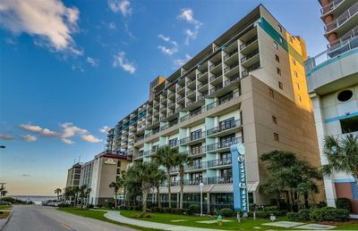 Photo for Ocean Views Pool Deck 1Br Condo Steps from 4 hot tubs, pool and lazy river
