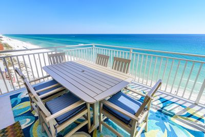 Gulf Front Balcony Dining