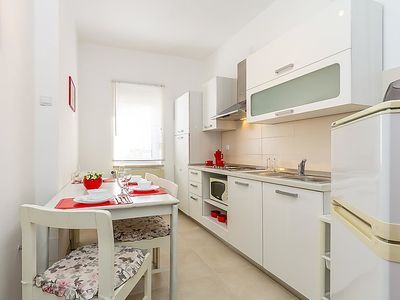Photo for Apartment PEACH HOUSE in Pula - 4 persons, 1 bedrooms