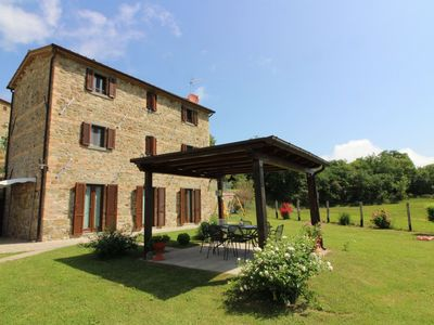 Photo for Villa with pool, 7 persons, located in a panoramic position on the border between Tuscany and Umbria