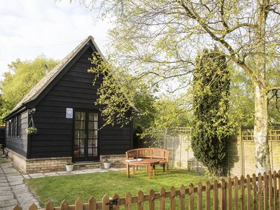 Photo for THE FORGE, pet friendly, with a garden in Abbots Ripton, Ref 957951
