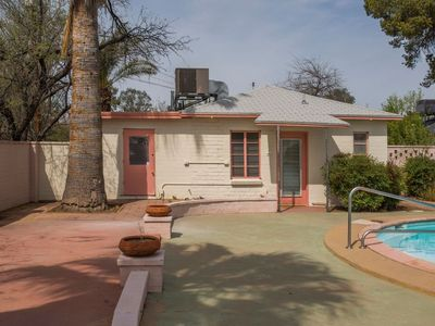 Photo for Wonderful Mid-Century Modern Guesthouse for Rent