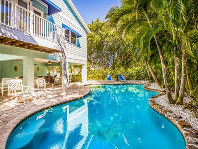 Seahorse Paradise:Gorgeous Home,Tropical Yard w/Heated Pool,Short Walk to Beach!