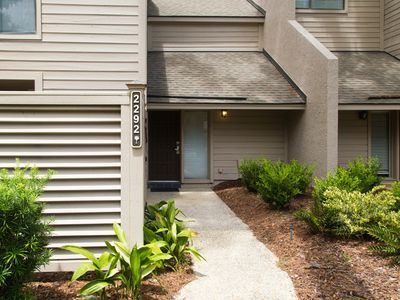 Photo for Adorable getaway near the beach w/ shared pool & tennis courts!