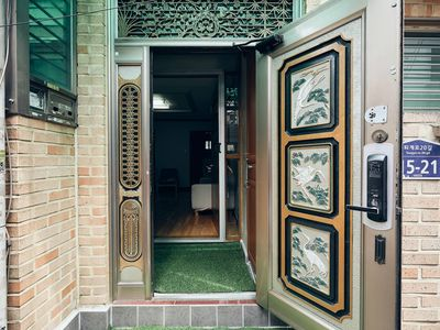 Photo for ✧MYEONGDONG MAGNIFICIENT✧3BDR+1LIVING✧3MIN