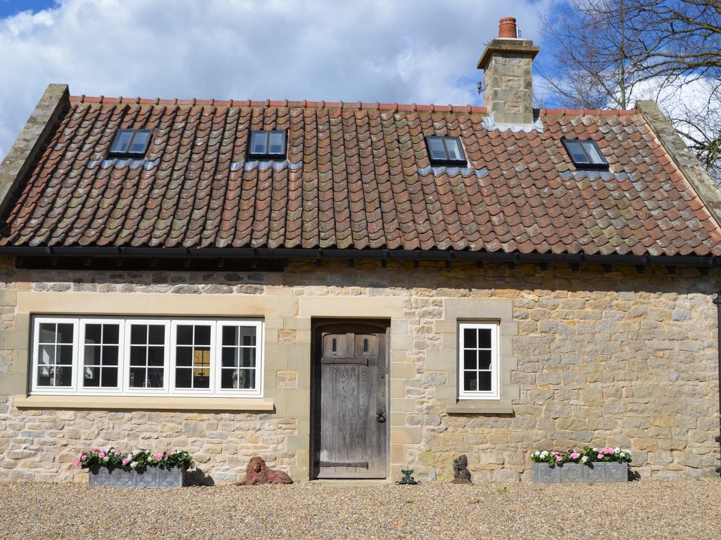 The Old Chauffeurs Cottage Adults only Free Wi fi & Parking