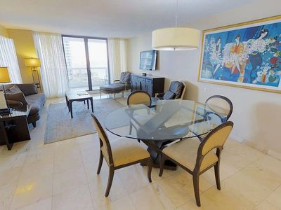 Downtown Miami 2450 | Premium 2BR Waterfront Condo | Free Valet Parking