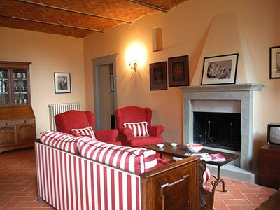 Photo for 6 bedroom Villa, sleeps 12 in Cortona with Pool and WiFi