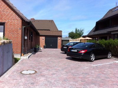 Photo for Central but quiet location, a few minutes walk to the beach of Westerland, WiFi