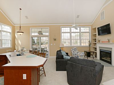 Photo for Dog Friendly! 3 BR / 2 BA single family in Ocean View, Sleeps 9